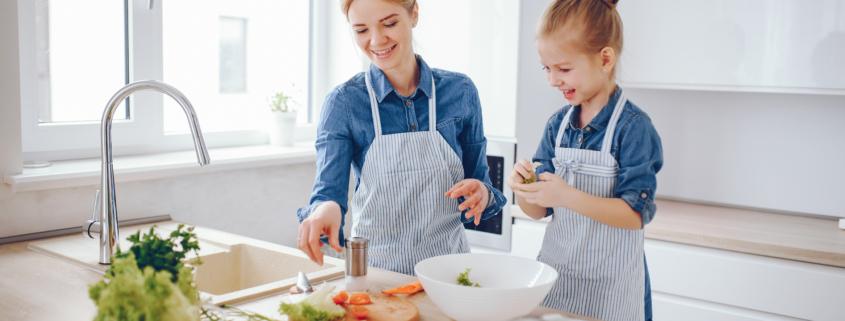 cómo cocinar con tus peques y disfrutar del momento