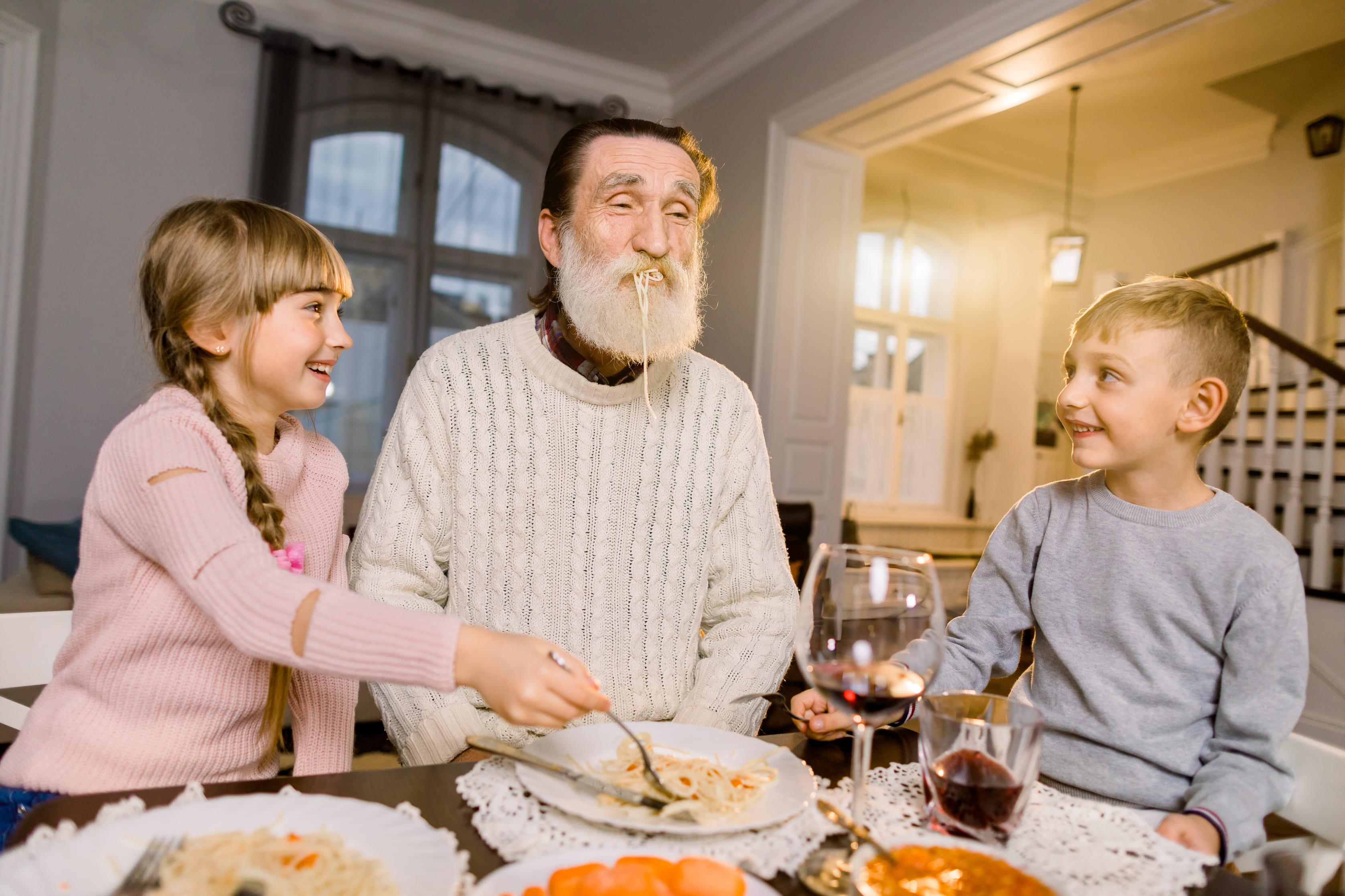 El papel de los abuelos en la alimentación de los nietos